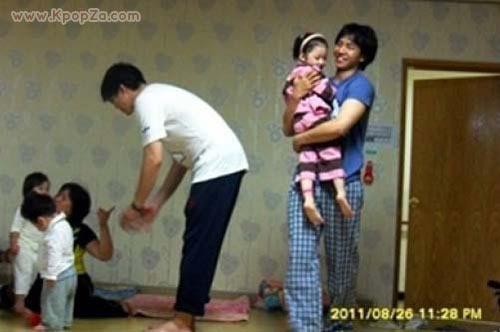 Lee Seung Gi เป็นคุณพ่อลูกอ่อนใน 1N2D