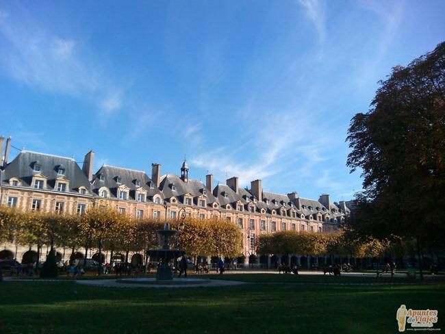 Visitar Paris a pie Marais Louvre 2