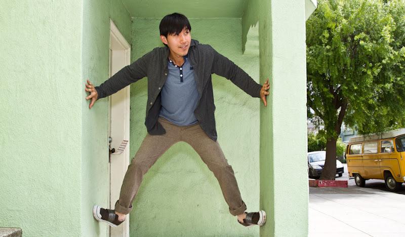 Herringbone SOBs shimmy up a doorway