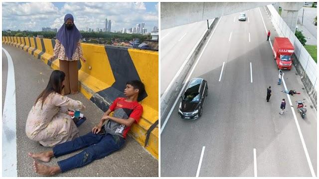 Motor hilang kawalan rempuh tembok jalan, abang bawa adik pergi vaksin jatuh dari flyover