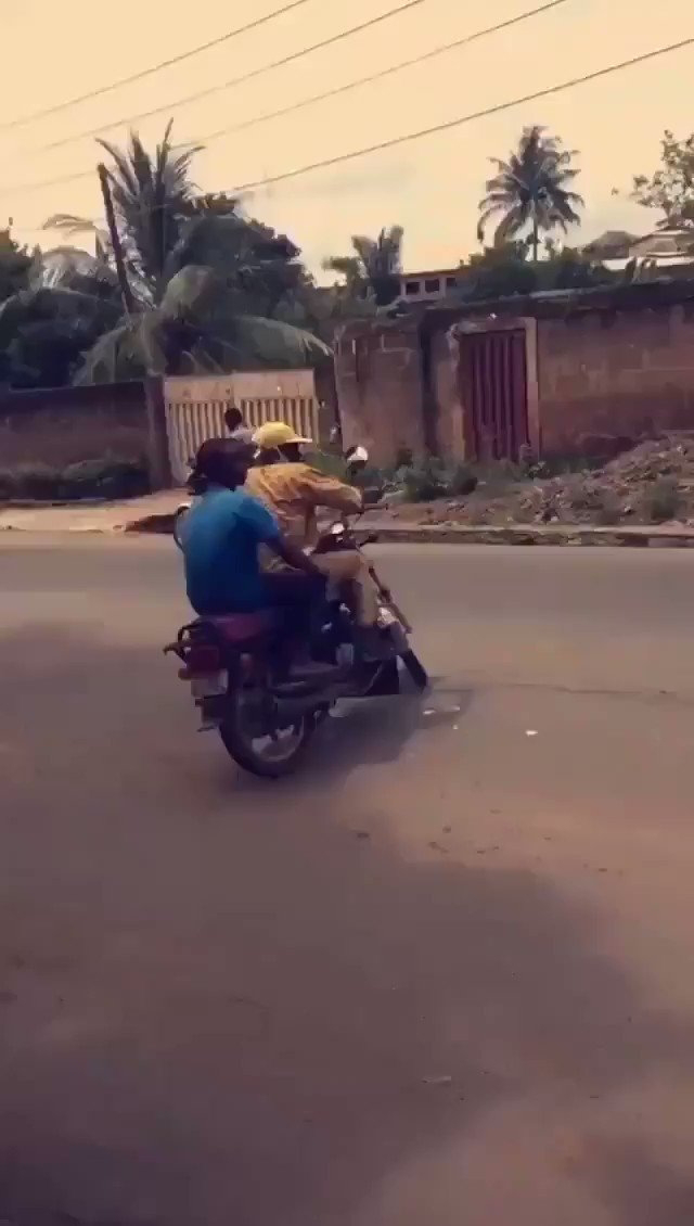 Citizens invade politician's house at Ibadan, cart away BRAND NEW MOTORBIKES
