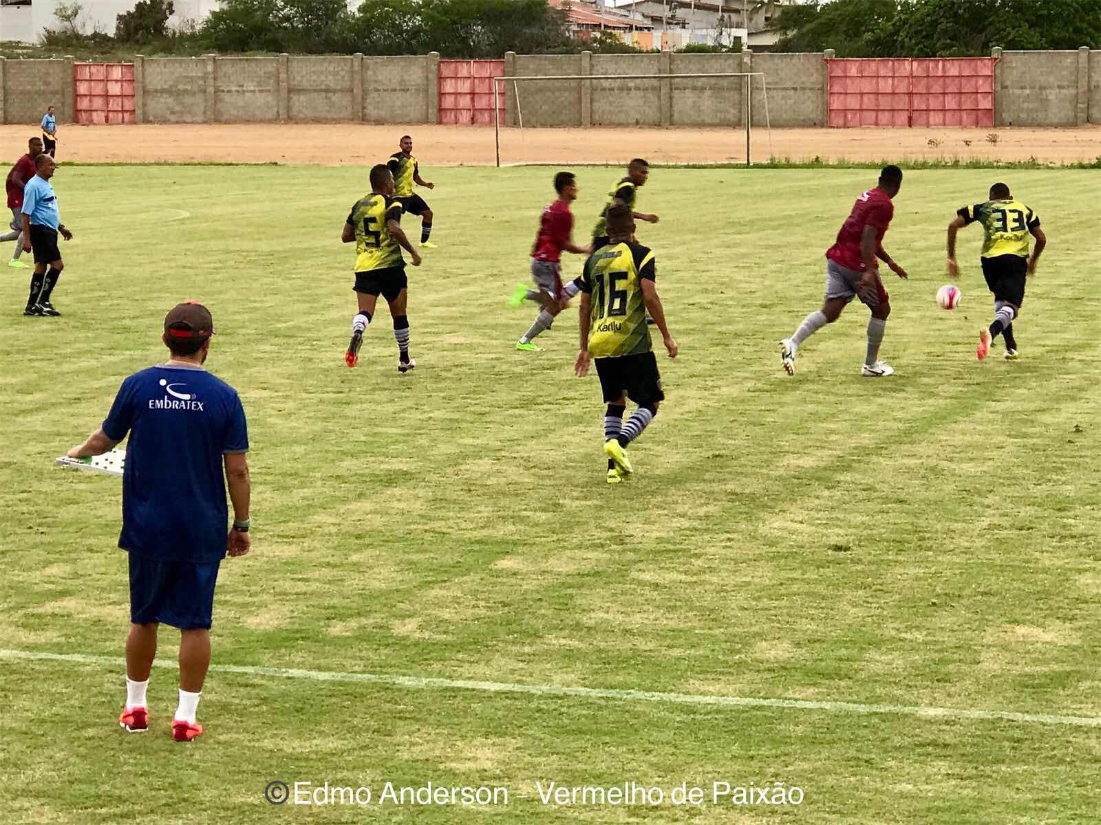 09bc73417ff98 Domingo de trabalho para o elenco do América que se prepara para a estreia  no Campeonato Potiguar. O Mecão realizou um jogo-treino contra o  Botafogo-PB e ...
