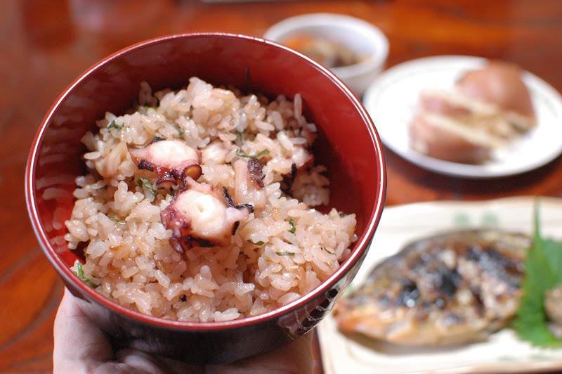 男木島 民宿さくらさんのタコ飯