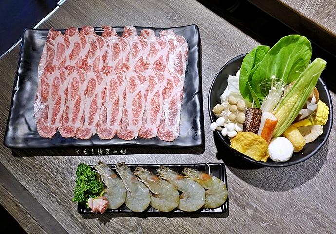 38 慕食極品和牛活海鮮平價鍋物