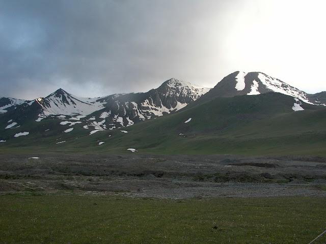 Alabel Pass, 3300 m (Kyrgyzistan), 27 juin 2006. Photo : B. Lalanne-Cassou