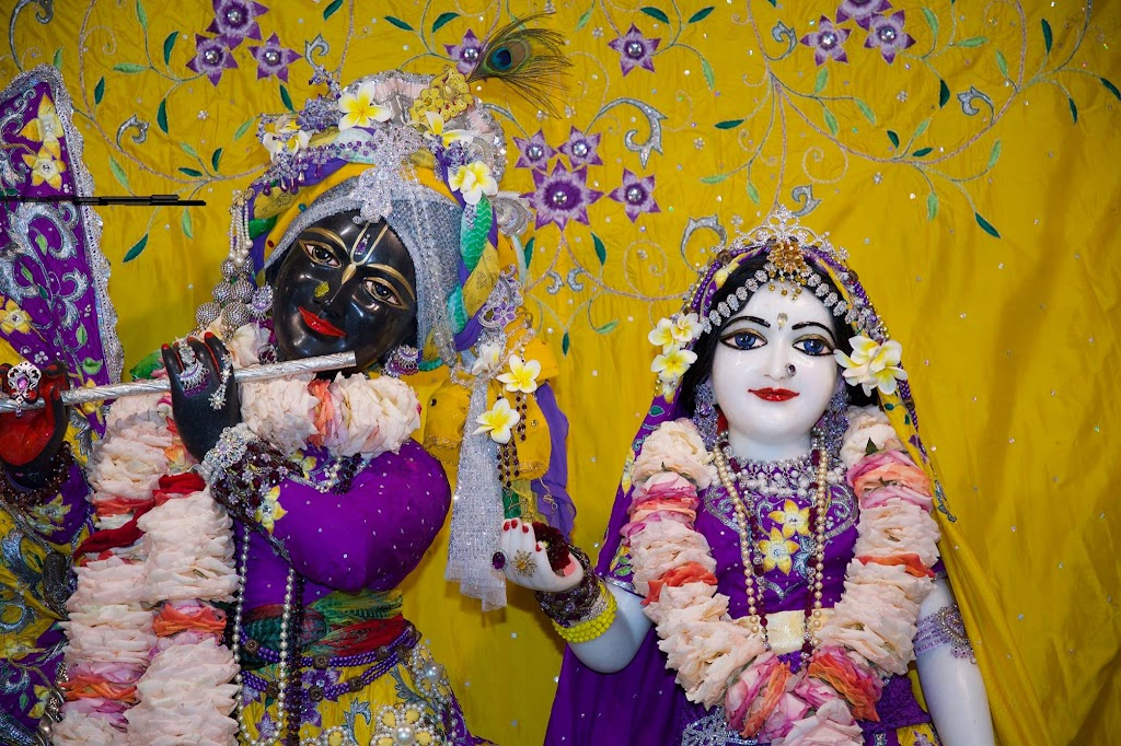 ISKCON New Govardhana Deity Darshan 22 Dec 2016 (54)