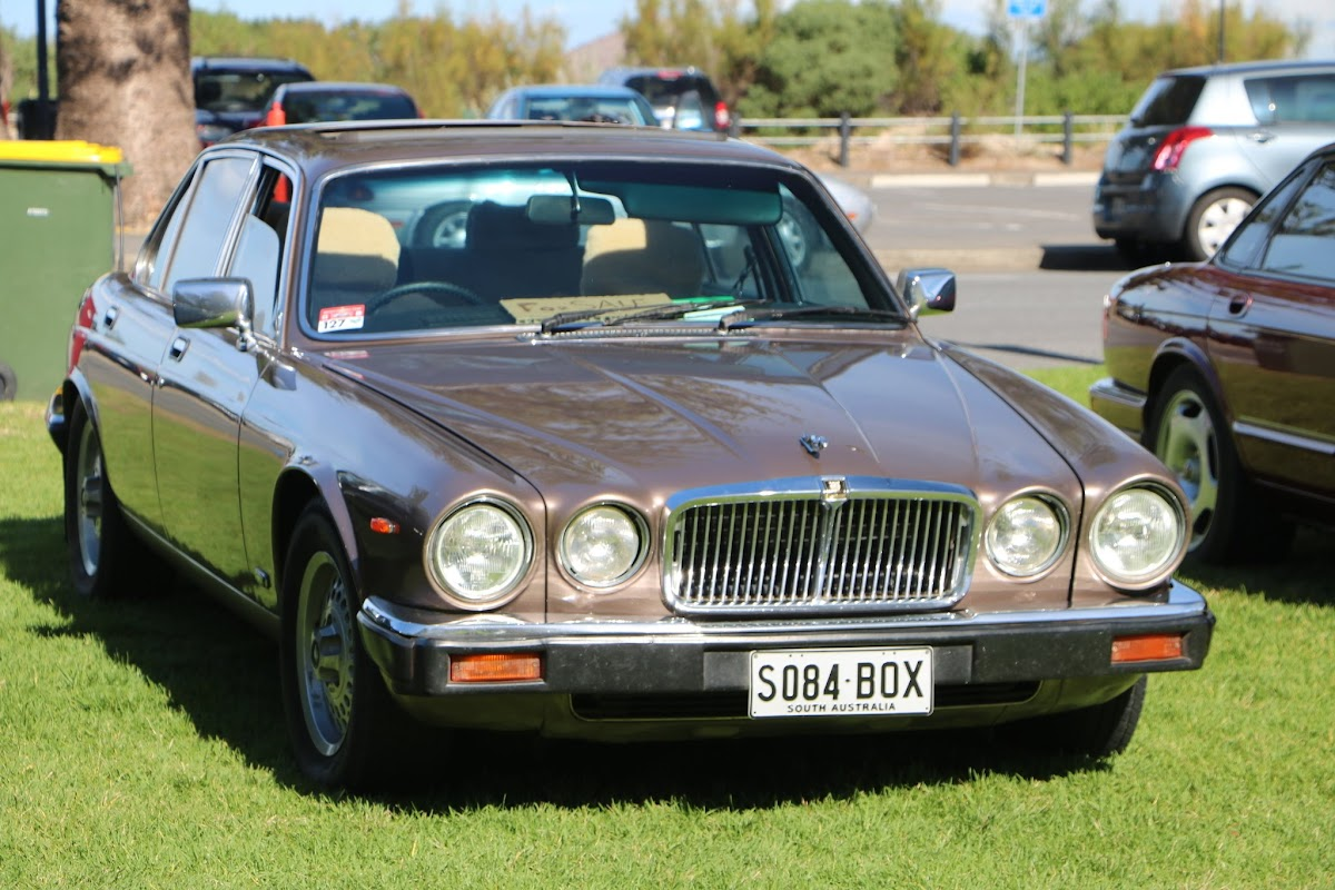 Jaguar XJ6 -  British_Classic_Tour_6_May_2018_0197.JPG
