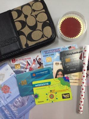 Cabaran Instablog 7 Hari EFGKBBA #2 | Apa Ada Dalam Wallet Anda?