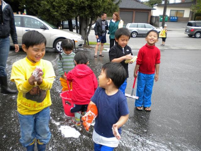 Tibetan Sunday School: Car Wash Fundraiser - Car%2BWash%2B-%2BJune%2B2010%2B029.jpg