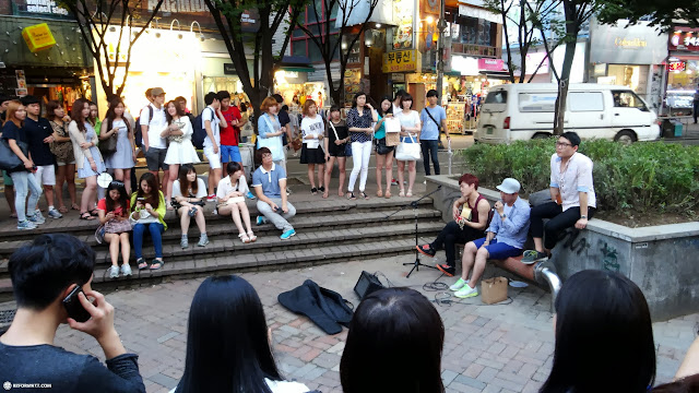 street musicians in Seoul in Seoul, Seoul Special City, South Korea