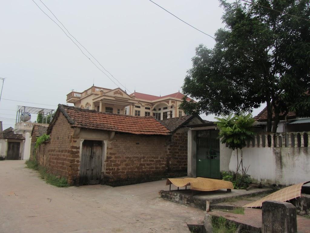 0003Duong_Lam_Village
