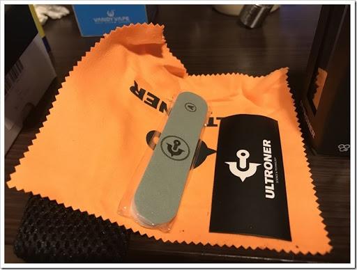 IMG 4231 thumb - 【スタビチューブ】ULTRONER Raiders Mod(ウルトロナーライダーズモッド)レビュー!ハイブリッド接続かつレジンスタビないかつい24mmメカMOD。価格を抑え、国内でも販売が開始されるなど注目の製品をチェック!