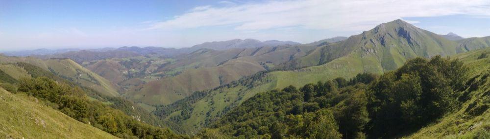 Vista de Erroitzate desde el alto de Azpegi