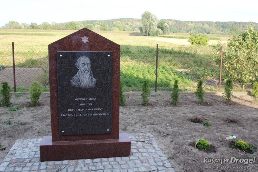 Ścieżka edukacyjna wokół kościółka w Mątawach w Gminie Nowe