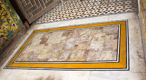 Beautiful combination of Sang-e-Khattu on floor of the tomb