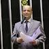 """Aliado de Bolsonaro na Câmara, Vitor Hugo chama CPI de """"desmoralizada e ridícula"""""""