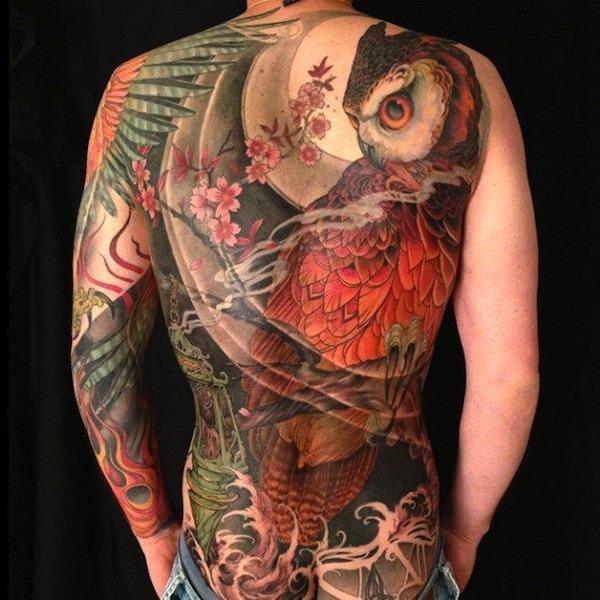 traseira_completa_da_tatuagem_de_coruja