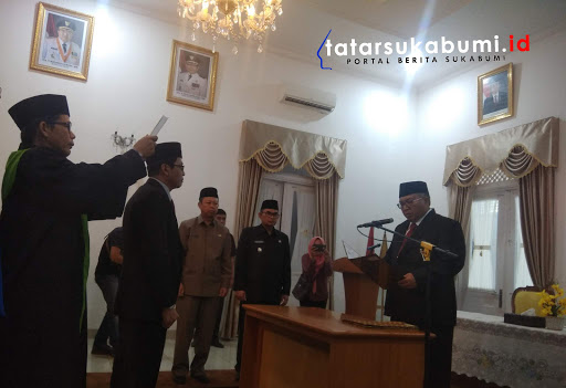 Pelantikan dan pengambilan sumpah Direktur Teknik Perumda Air Minum TJM Kabupaten Sukabumi Periode 2019 - 2024