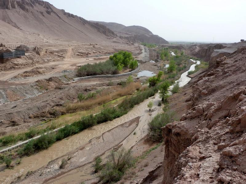 XINJIANG.  Turpan. Ancient city of Jiaohe, Flaming Mountains, Karez, Bezelik Thousand Budda caves - P1270896.JPG