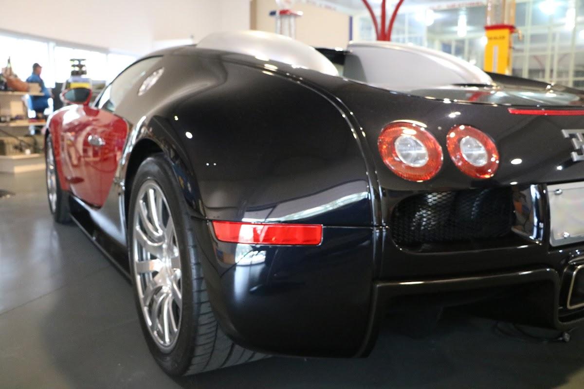 Jaguar_National_Rally_2018-04-14_0020 - Bugatti-Veyron.JPG