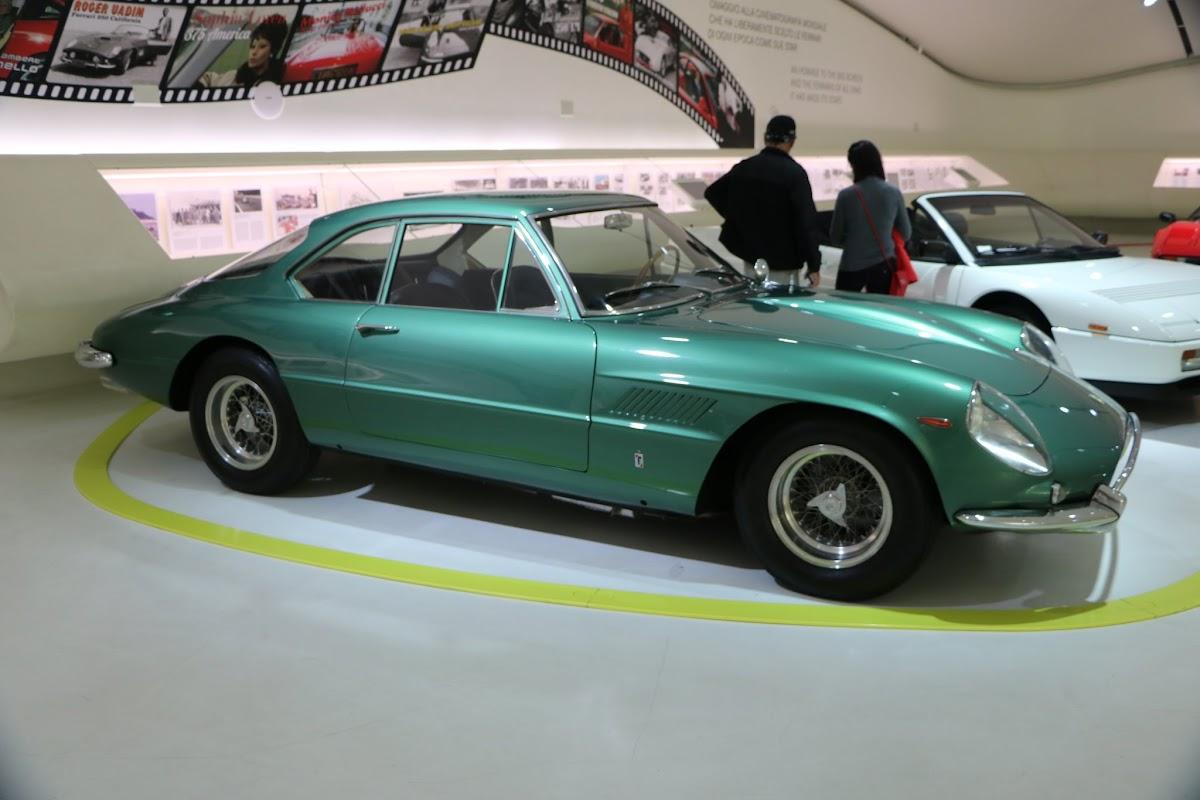 Modena - Enzo Museum 0046 - 1967 Ferrari 400 America.jpg