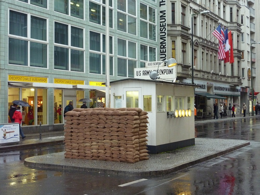 checkpoint-charlie-3