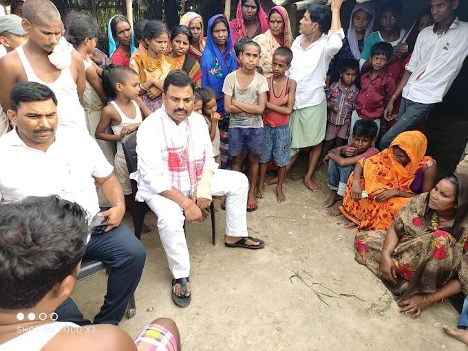 मोहिउद्दीननगर विधानसभा क्षेत्र के विधायक राजेश कुमार सिंह ने निजीकोष से किया आर्थिक सहयोग