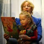 Boekpresentatie en voorlees voorstelling IK WIL ZINGEN 2015 Nieuwe Boekhandel van Monique Burgers 7.JPG