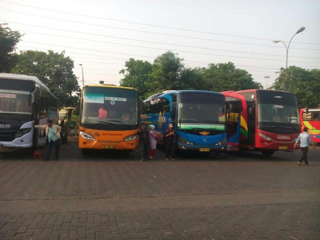 Bis Malam Surabaya