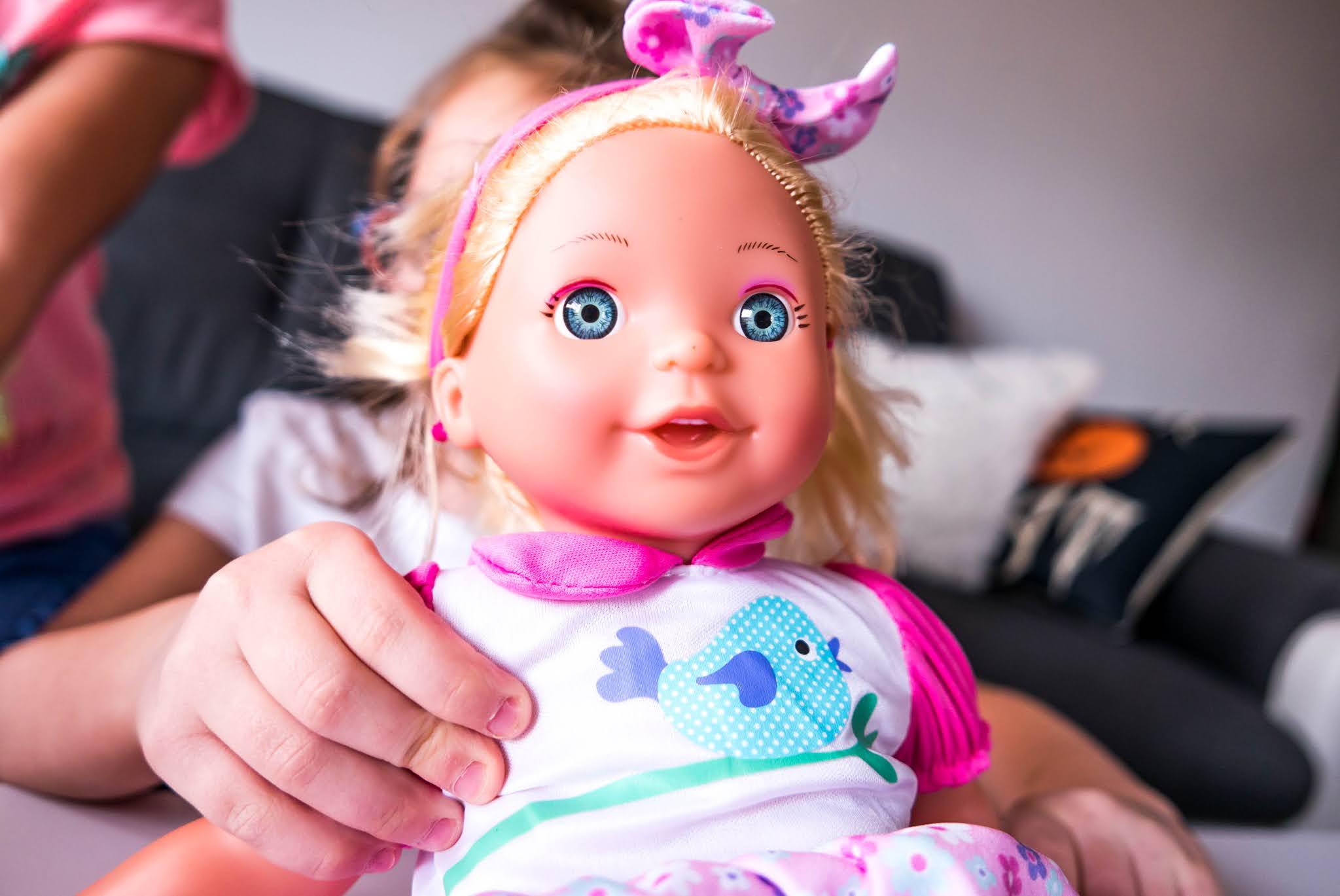 Jaką lalkę kupić w prezencie dziewczynce 3 latka
