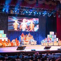 Stage_Crowd_1.jpg