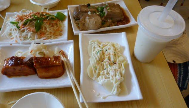lait de soja, pousses de bambous et délicieux tofus