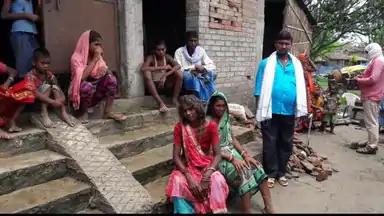 BIHAR/रास्ते के विवाद में दबंगों ने ग्रामीणों के सामने कुदाल से काटकर अधेड़ को मार डाला