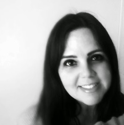 Luciana White Photo 6