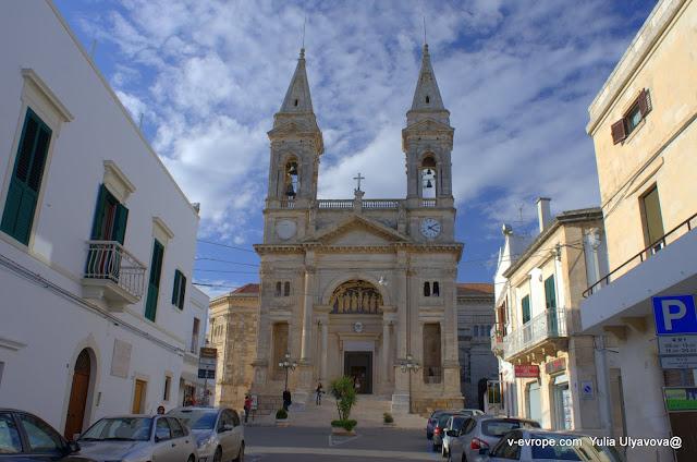 Церковь Св. Космы и Дамиана в Альберобелло
