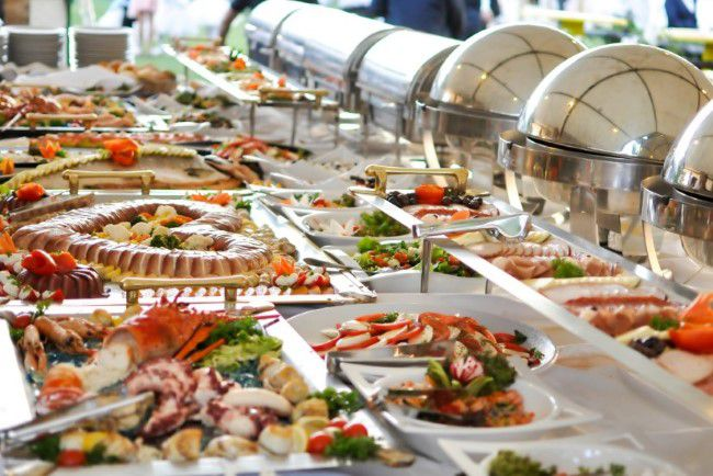 Pointers to Understand Before Selecting and Hiring a Catering Foster