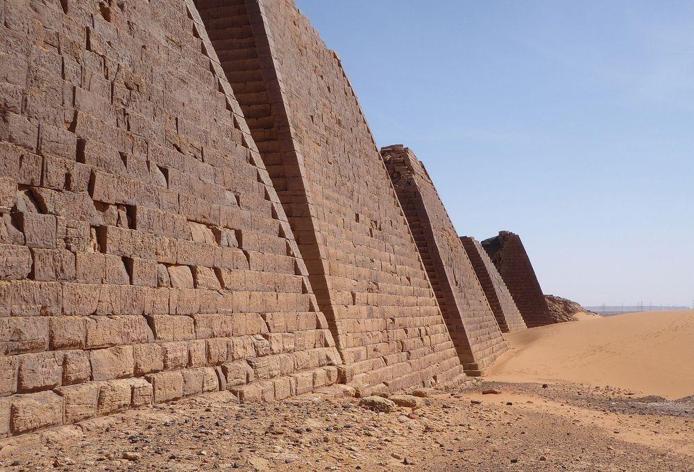 nubian-pyramids-17