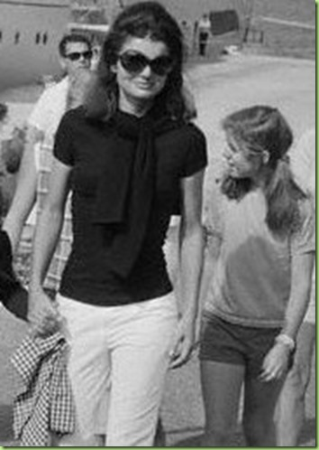 jackie-o-sunglasses-426x268-Blog-4-426x255