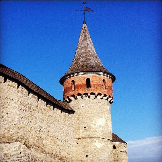 Тенчинська башта. Кам'янець-подільський замок