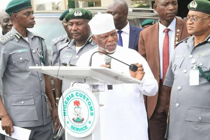 comptroller-general of the Nigerian Customs Service (NCS), Hameed Ali, SD news blog, shugasdiary news blog, Nigeria's security chief Olonishakin, Nigerian borders, Abuja news blog, Nigerian news websites, smugglers across borders,