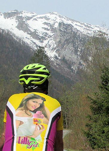 Chris on the Bike mit Eis-Café-Trikot aus Rottenburg von Touren-Kilometer 96.000