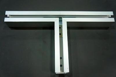 裝潢五金 品名:#6068-小型萬向T型接頭 規格:寬33m/m*高33m/m 顏色:鋁色
