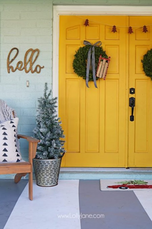 farmhouse-style-christmas-porch-450x675