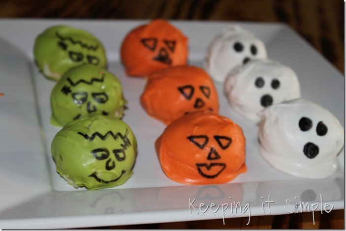 Halloween-treat-no-bake-cake-batter-truffles (4)