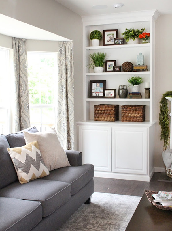 family-room-bookshelves