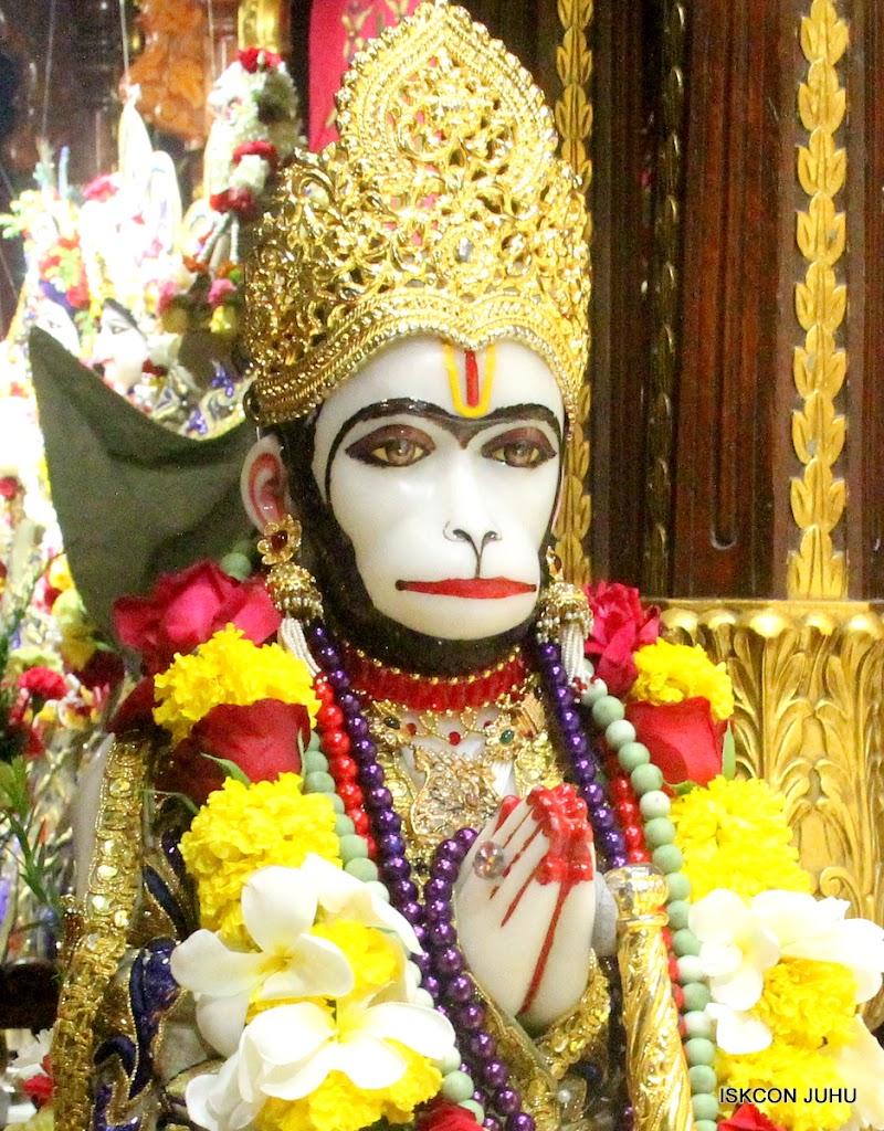 ISKCON Juhu Sringar Deity Darshan on 24th June 2016 (18)