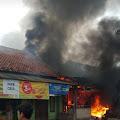 Rumah Makan di Telukjambe Timur Kebakaran Akibatnya Satu Orang Tewas dan Dua Anak Terluka Bakar Serius