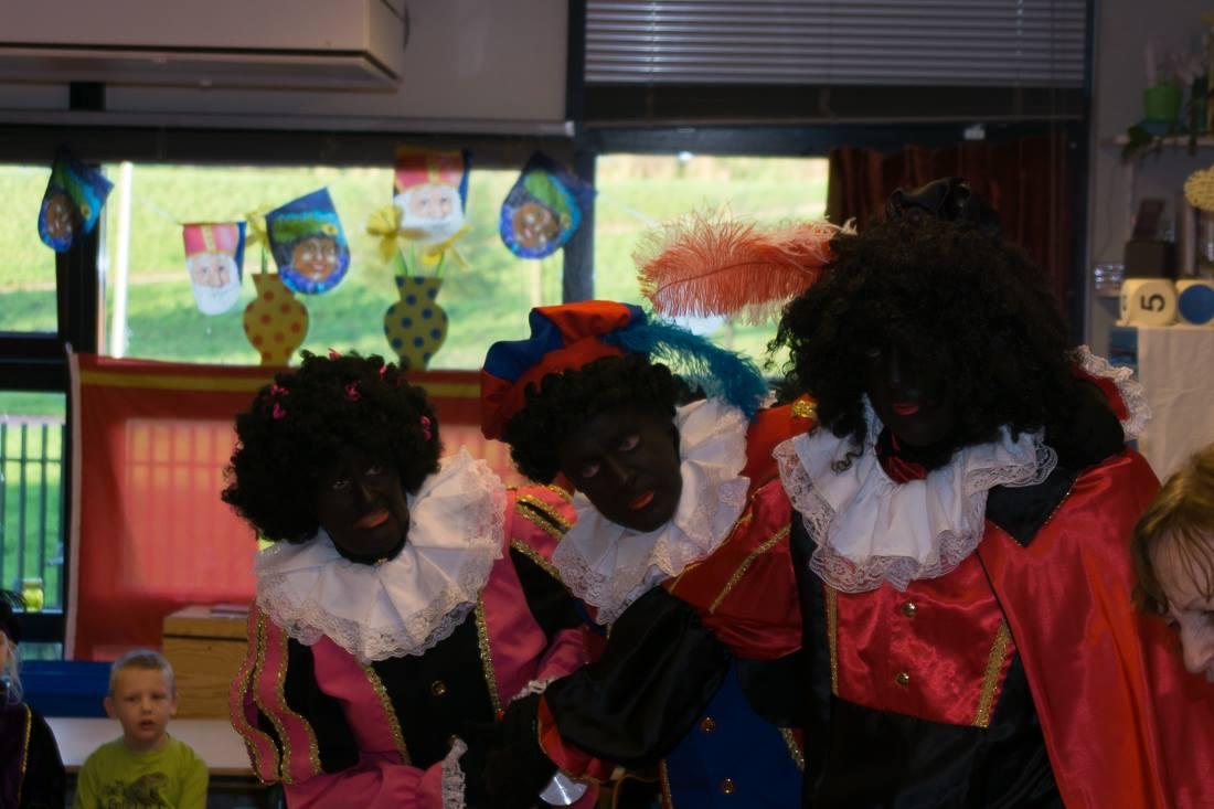 Sinterklaas aankomst bij OBS De Draaimolen Bachlaan 4.jpg