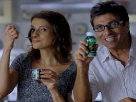 Denise Fraga e Evandro Mesquita em campanha para Activia