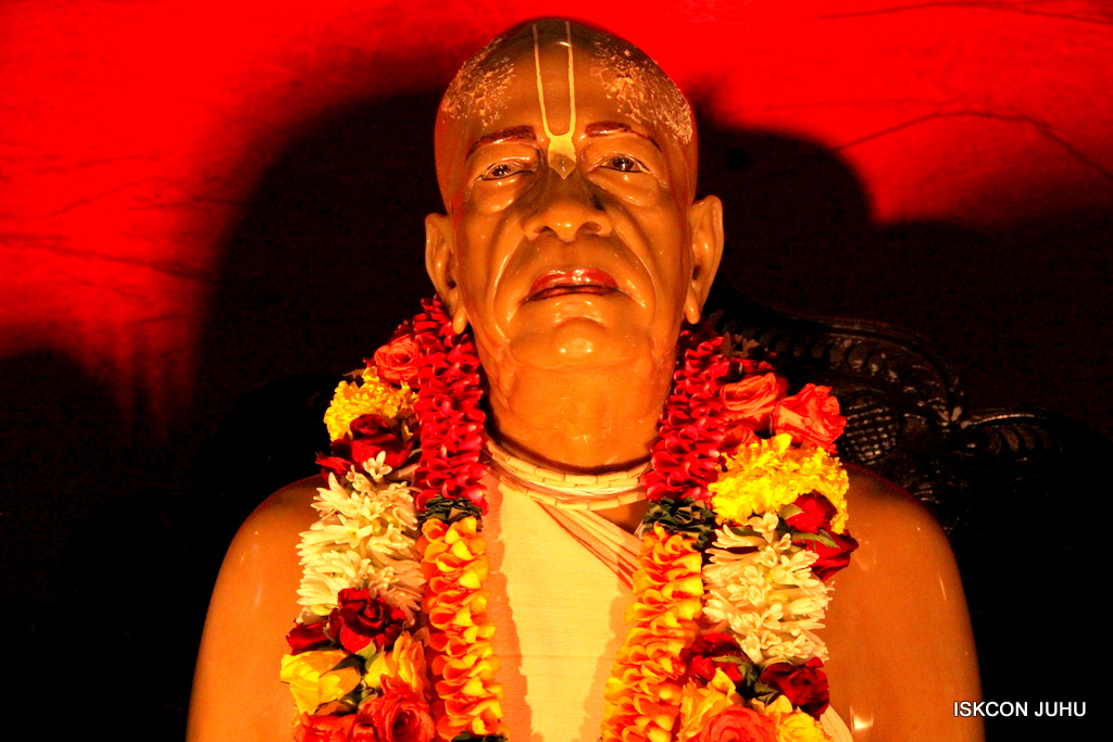 ISKCON Juhu Sringar Deity Darshan on 2nd Oct 2016 (58)